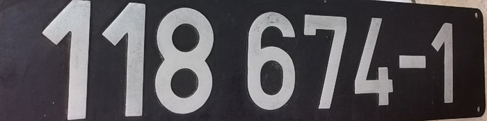118 674