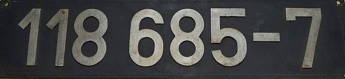 118 685
