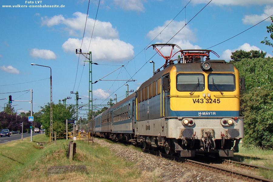 V43 3245